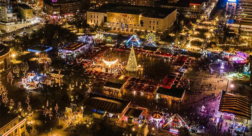 Piazza Skanderbeg, Natale Tirana
