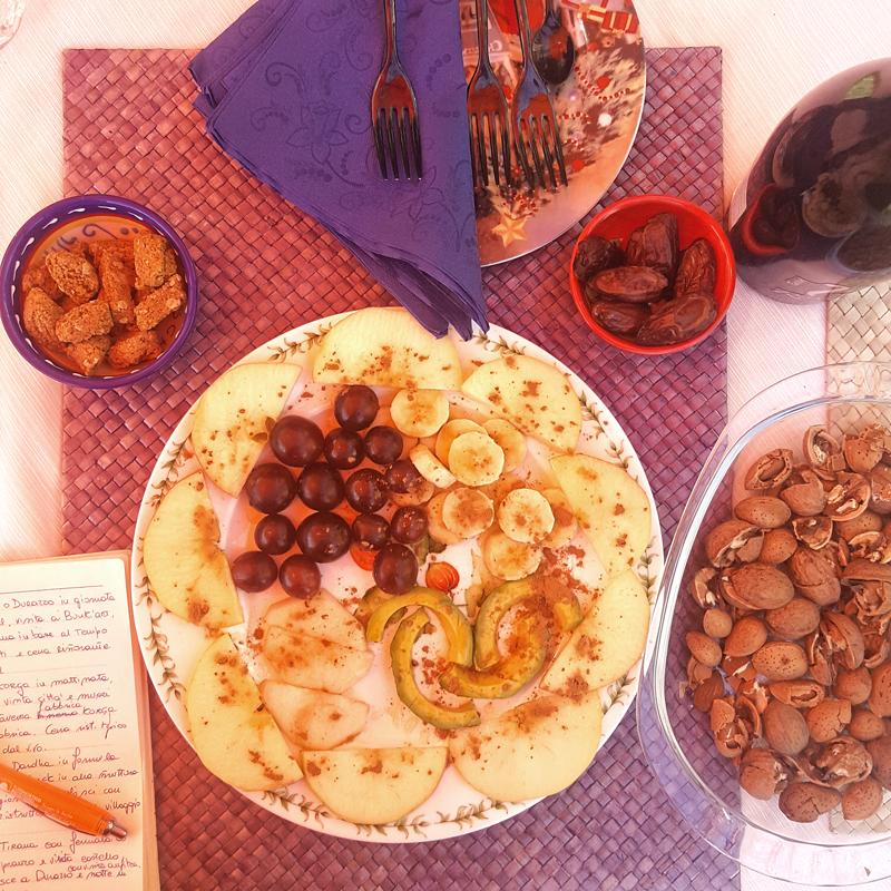 Epifania in montagna in Albania | frutta fresca, frutta secca, dolcetti e vino bianco... così lo staff di Vado in Albania produce idee!
