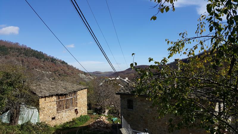 Epifania in montagna in Albania | Veduta delle montagne da Dardhë, piccolo villaggio situato nel sud dell'Albania