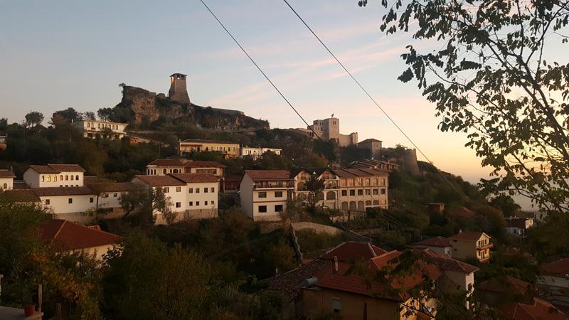 Vacanze-in-Albania-itinerario-Kruje tramonto