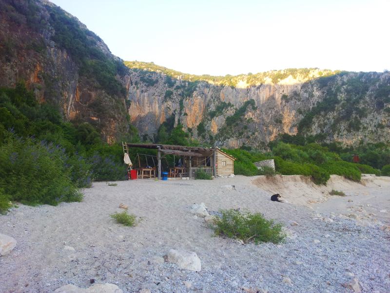 Vaiggiare in Albania con il cane | Gjipe spiaggia del Monastero