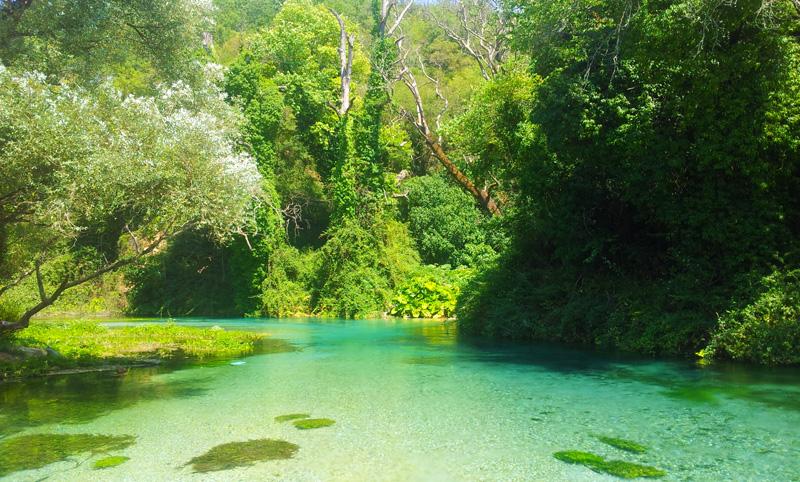 Vacanze in Albania, Syri i Kalter zona Blue Eye