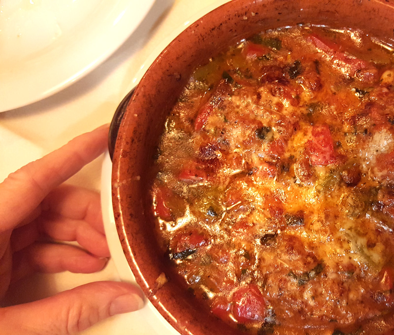 Dove mangiare a Tirana, Taverna Zoto Qofte ne tave