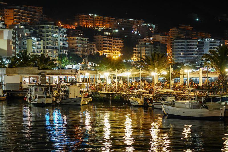 Vacanze in Albania Saranda, saranda by night