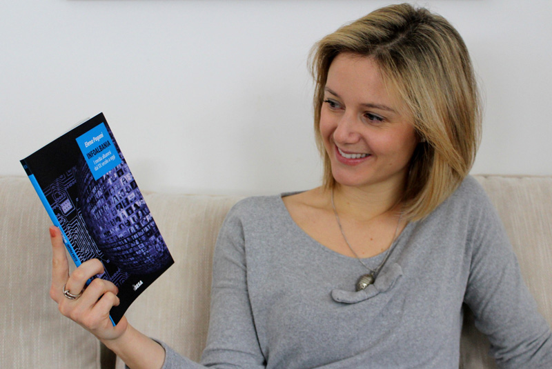 Elena Pagani presenta InfoAlbania