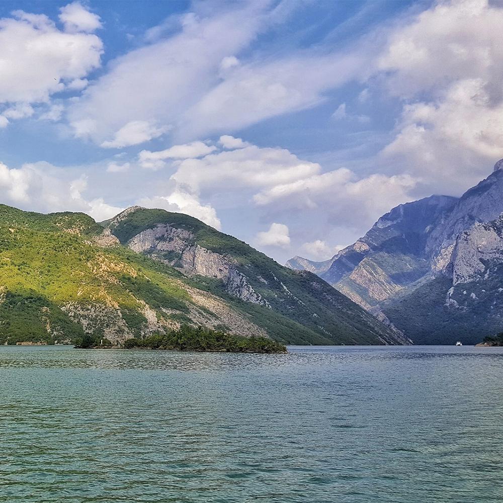 Tour Koman Valbona Theth vacanze in Albania, lago di Koman