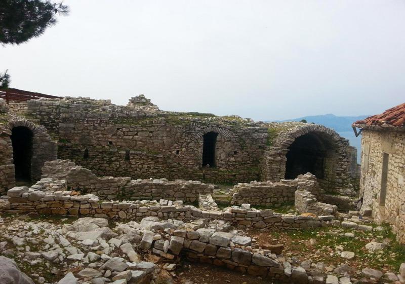 Vacanze in Albania Saranda resti del monastero dei 40 santi
