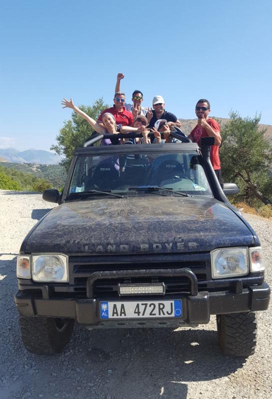 Visitare Saranda, Saranda jeep