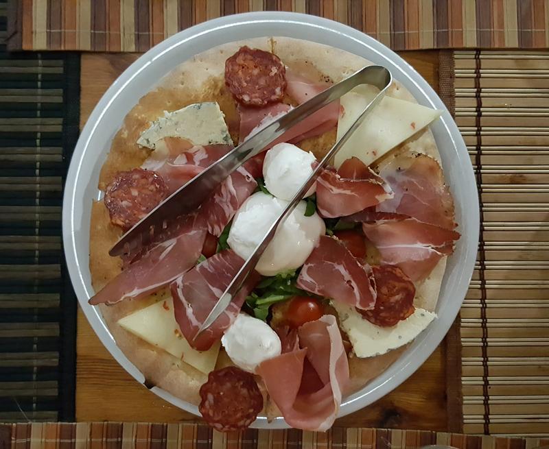 Visitare Tirana Vita 99 Pizza e Grill