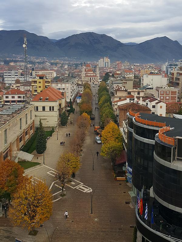 Autunno in Albania, foliage, Pedonalja Korça