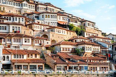 Berat borgo antico, Finestre sovrapposte