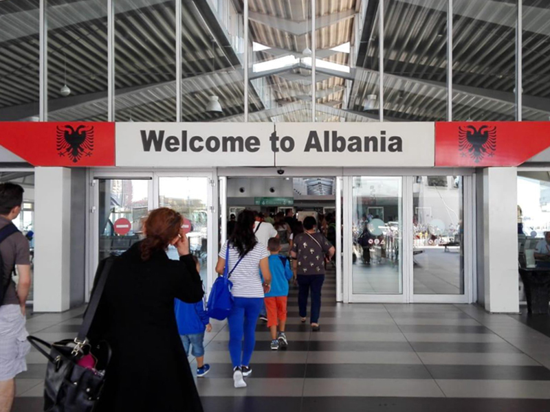 Albania, Documenti necessari