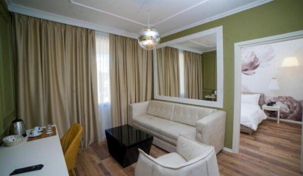 Hotel a Valona, Regina city hotel